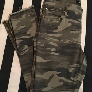 Nwot express camo pant with gold ankle zipper
